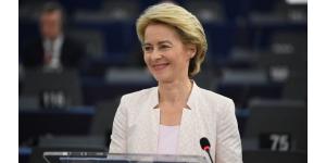 Ursula von der Leyen, première femme élue à la présidence de la Commission européenne