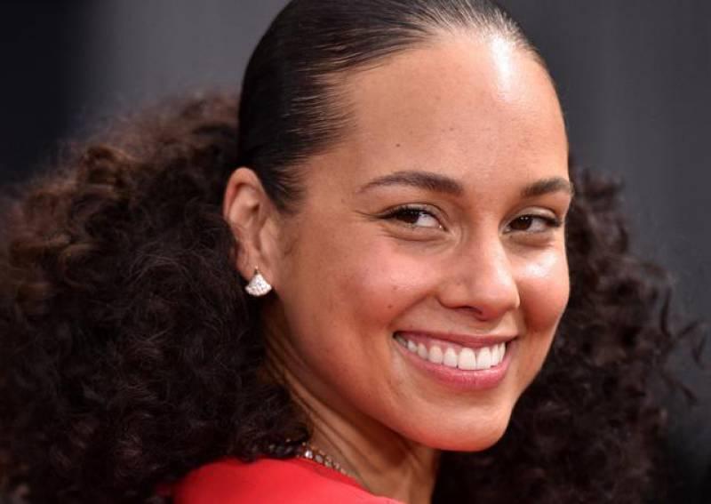 Adepte du no make-up et du bien-être, Alicia Keys lance sa gamme de soins pour la peau