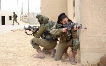 Des soldats des Lions mixtes du bataillon de la vall/u00e9e du Jourdain participent /u00e0 un exercice /u00e0 la base militaire de Tzeelim le 5 f/u00e9vrier 2018. (Judah Ari Gross//Temps d'Isra/u00ebl)