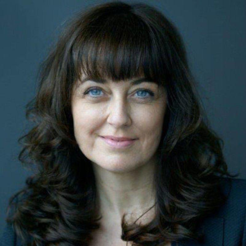 Florence Sandis, Fondatrice de BRISEZ LE PLAFOND DE VERRE, Conférencière, Consultante, Coach, Auteure, Présidente du médiaClub'Elles