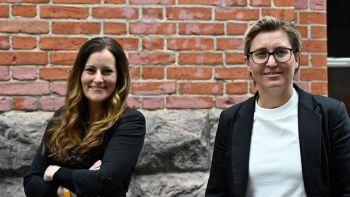 Janine Wissler (à gauche) et Susanne Hennig-Wellsow (à droite) à Berlin le 27 février. TOBIAS SCHWARZ / AFP
