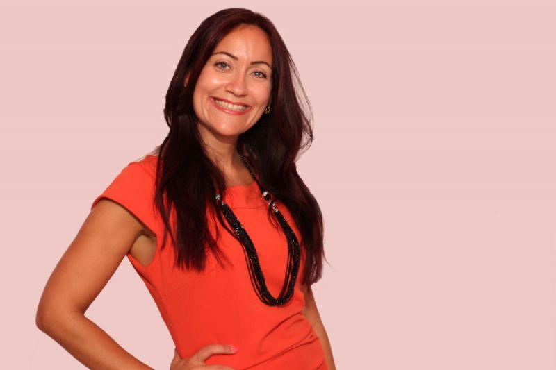 Nour BOUAKLINE, Entrepreneure et Consultante internationale en marketing digital