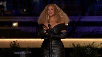 Beyoncé lors des Grammy Awards CBS / REUTERS