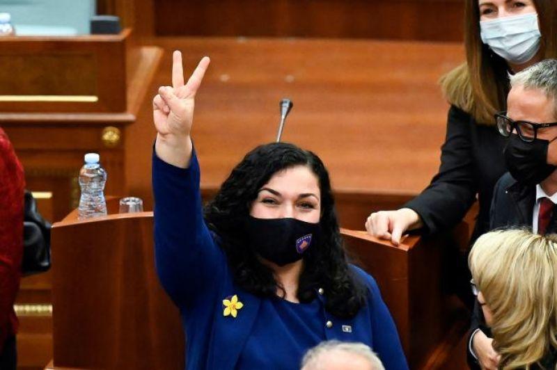Vjosa Osmani, une juriste réformiste et féministe devient présidente du Kosovo